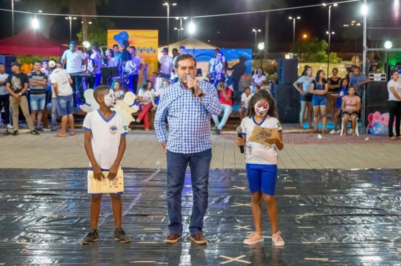 'AlfabetizArte' reúne 350 crianças no encerramento da VII Feira Literária