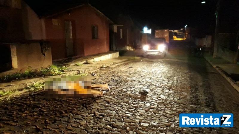 Homem morre após colidir moto com carro no interior do Piauí