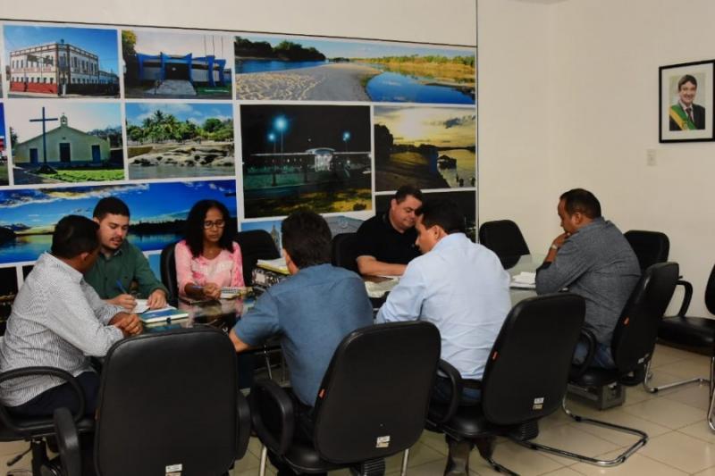 Reunião define logística do dia do sorteio das casas do Conj. Alto da Cruz
