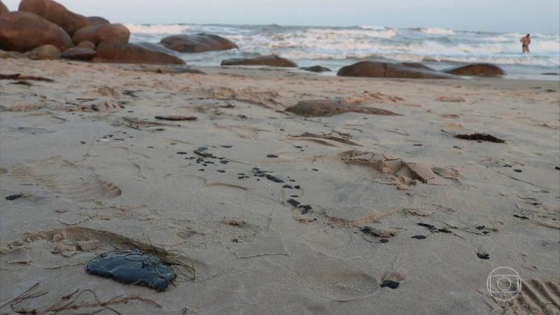 Manchas de óleo diminuem e praias do Piauí podem ser liberadas