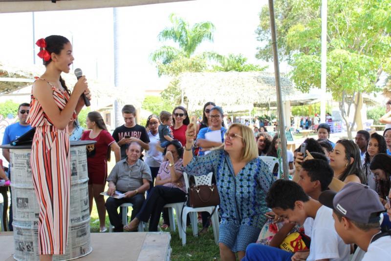 Oeiras | Estudantes da rede municipal viram escritores e lançam livros
