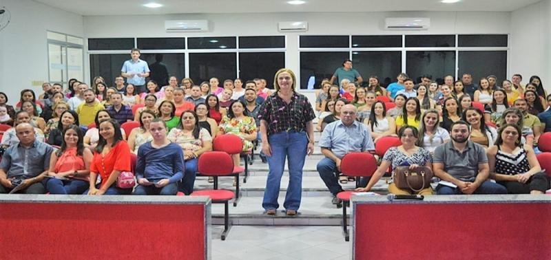Palestra sobre Inteligência Emocional é realizada em Simões