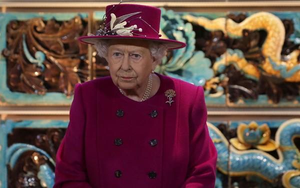 Fornecedora de lingerie da rainha Elizabeth II perde ordem real após revelações