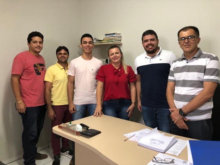 Vice-Prefeita Patrícia Pimentel recebe engenheiros da SAF
