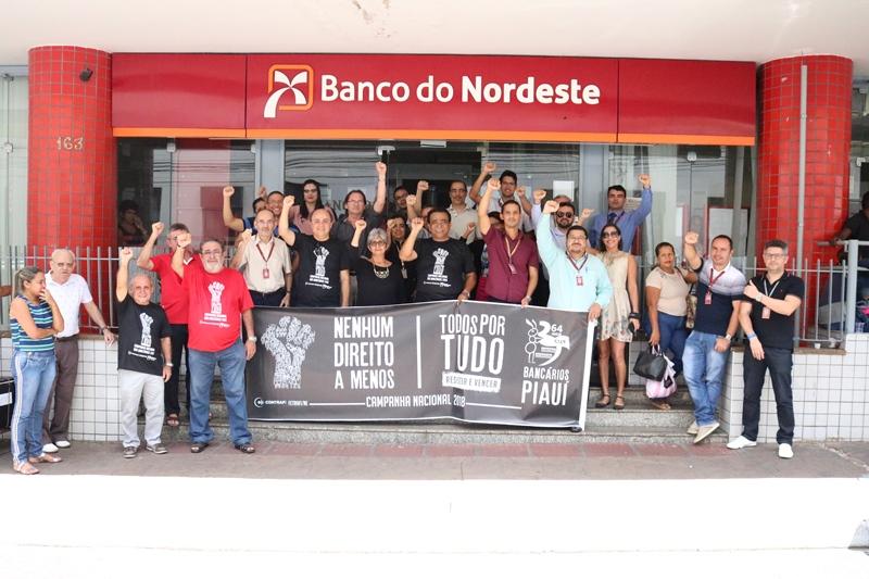 Bancários do Piauí retardam abertura de agências em protesto nesta sexta