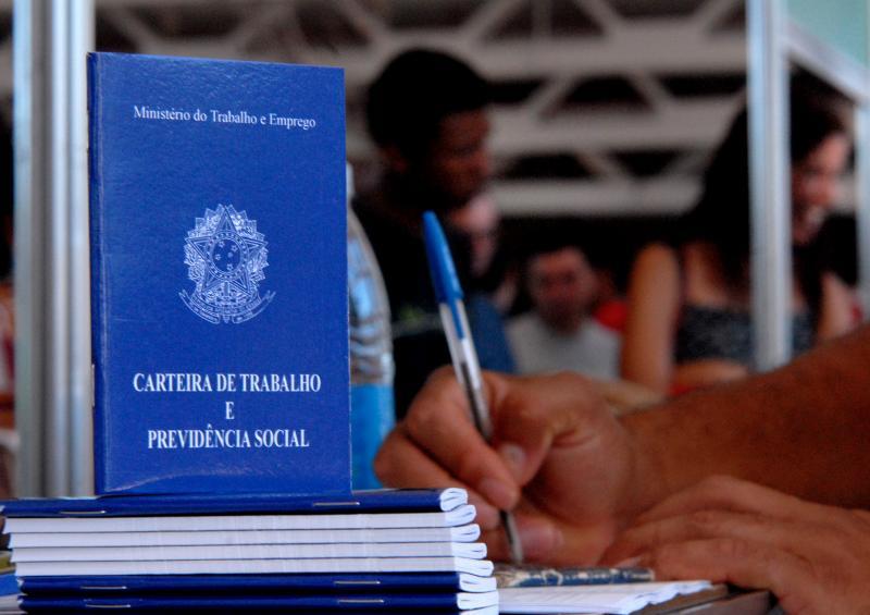 Medida Provisória que revoga trabalho aos domingos já tem 2 mil emendas