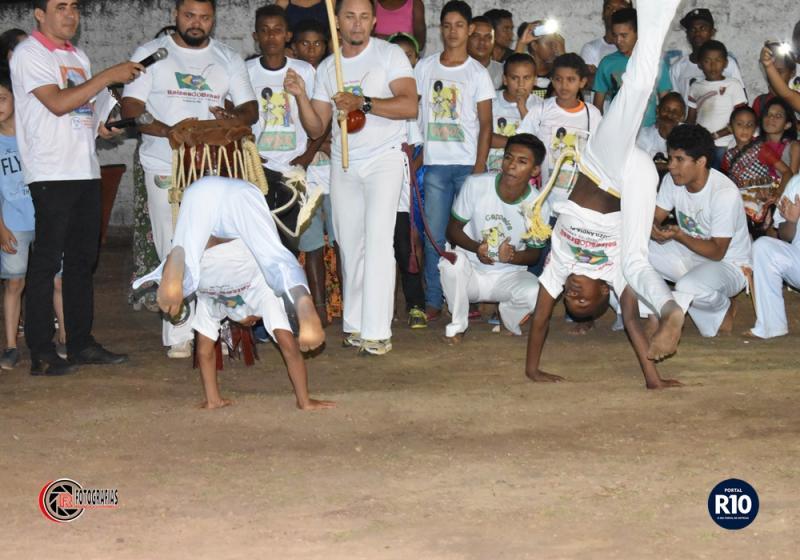 Grupo de Capoeira se apresenta em III Semana Cultural em Campo Largo-PI