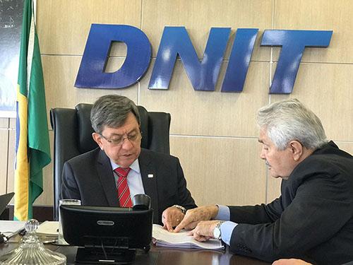 Em reunião no DNIT, Elmano trata de obra de alargamento da BR-135