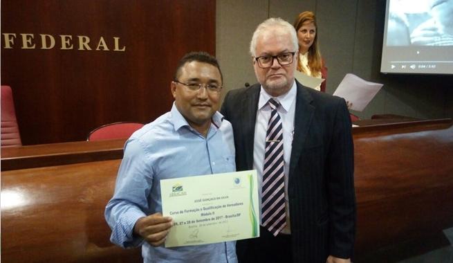 Irmão Jessé participa do curso de formação e qualificação do vereador em Brasília