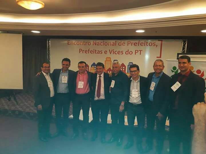 Prefeito de Nazária participa do encontro nacional do PT em Brasília
