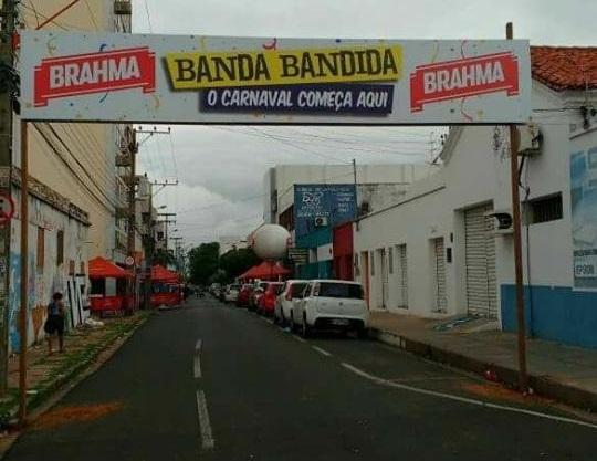 Foliões são baleados em prévia de carnaval em Teresina