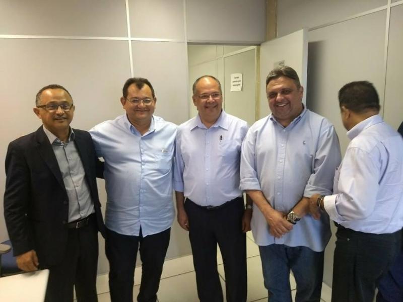 Prefeito Léo participa de Reunião com o Superintendente Regional da Caixa Econômica Federal do Piauí