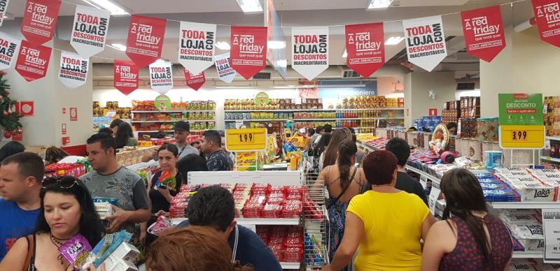 Lojas do Centro de Teresina estendem horário de funcionamento neste sábado