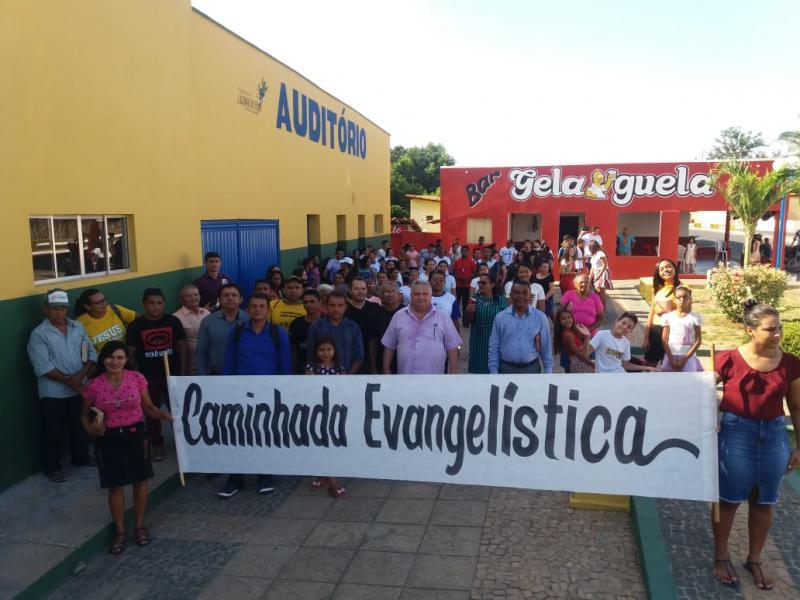 Prefeito Dr Alcione participa das comemorações do dia do Evangélico