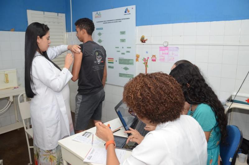 Secretaria de Saúde realiza com sucesso o Dia D da vacinação.