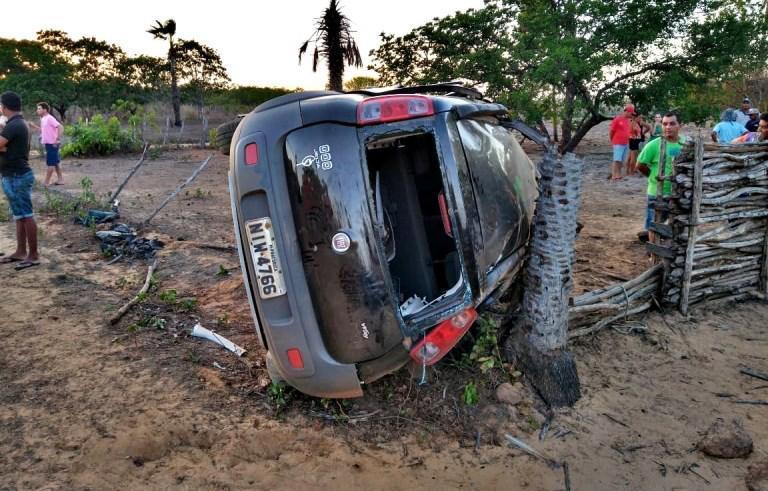 Pai e filha morrem ao serem arremessados de carro no Piauí