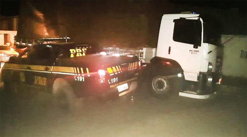 Caminhoneiro é preso com veículo de carga clonado em Jaicós