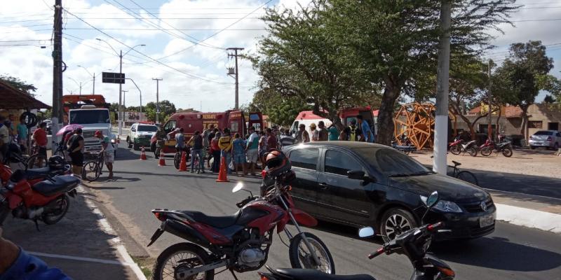 Parnaíba | Acidente entre motocicletas deixa mulher ferida