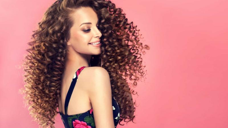 Três benefícios de utilizar bicarbonato de sódio no cabelo