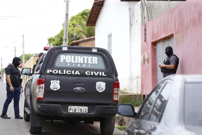 Operação desarticula quadrilha de roubo de veículos em Teresina