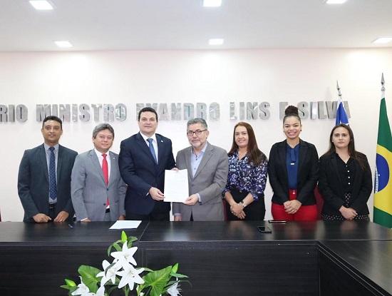 OAB Piauí firma parceria com a Piauí Fomento
