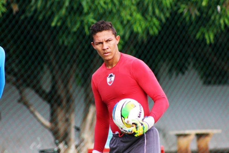 Flamengo-PI anuncia goleiro Robson para a temporada 2020