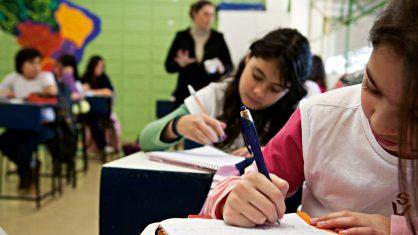 Três em cada dez alunos dizem sofrer bullying no colégio