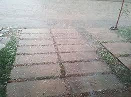 Moradores do interior do Piauí registram chuva de granizo