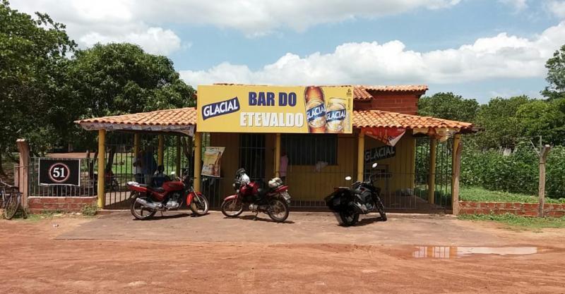 Bandidos fazem arrastão em bar de ex-vereador do Piauí