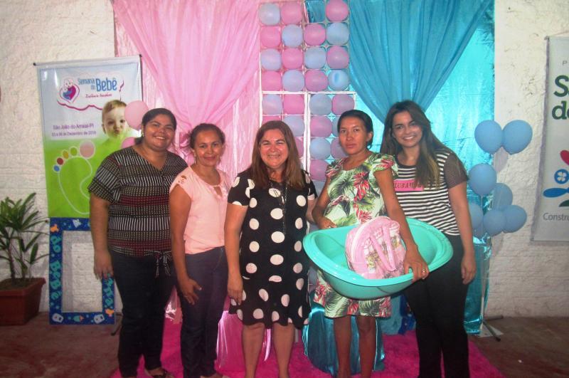 Prefeitura e secretarias realizam semana do bebê, em São João do Arraial