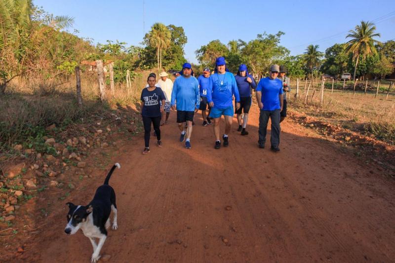 Ciro Nogueira faz a pé percurso até Pau D'Arco