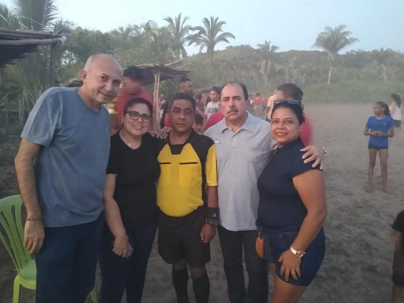 Altos | Prefeita participa do campeonato de futebol na comunidade Quilombo