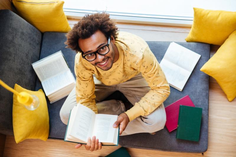 Pesquisa mostra que estudantes com bolsa de estudo se esforçam mais