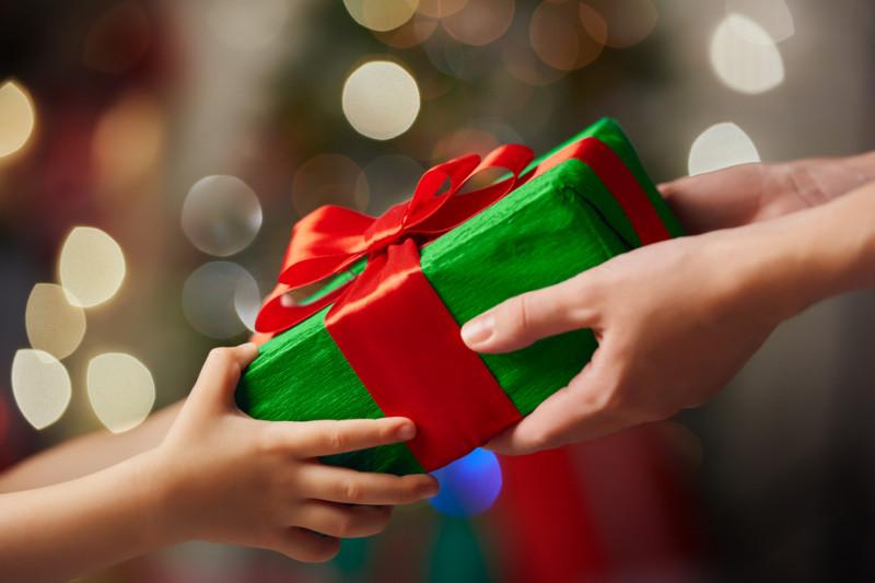 Campanha de Natal arrecada donativos a pessoas carentes