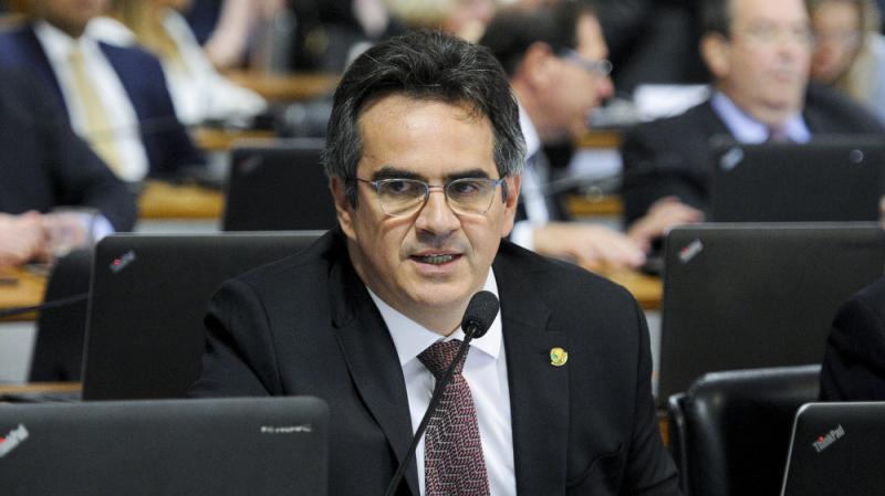 Ciro admite que rompimento com o governo seria danoso ao Piauí