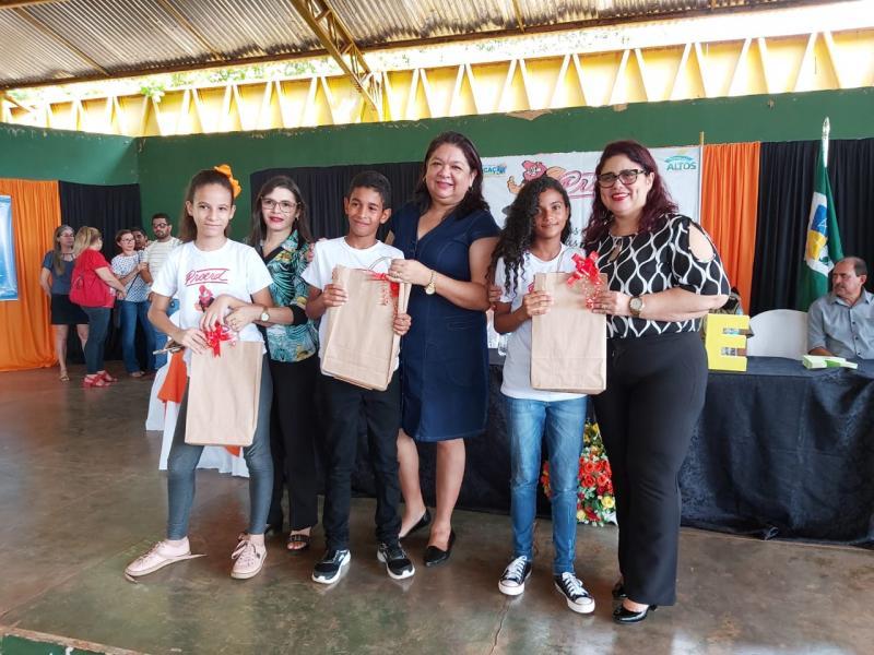 Altos | Prefeitura e PM realizam formatura do PROERD para 470 alunos