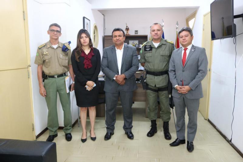 OAB trata sobre conduta policial em reunião com a Secretaria de Segurança
