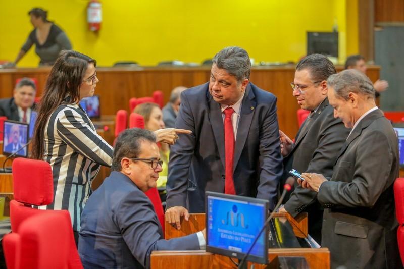Deputados aprovam reforma da Previdência do Estado