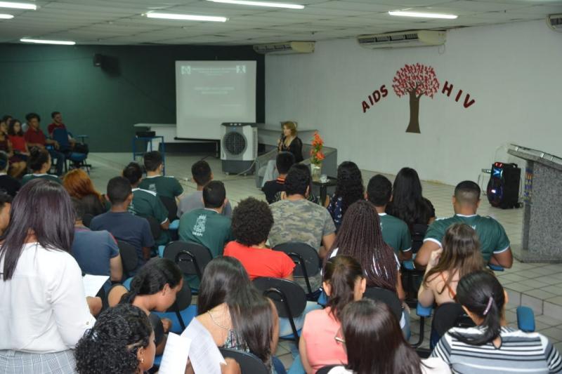 CTA de Floriano realiza palestras para alunos da UESPI