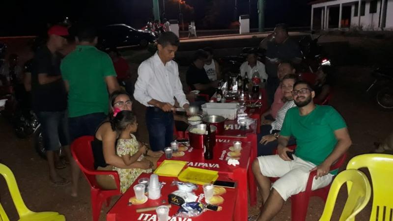 Vereadores de Cajazeiras encerram ano legislativo com confraternização