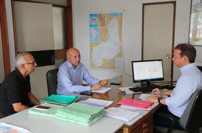 Warton solicita construção de estradas ao diretor do DER-PI