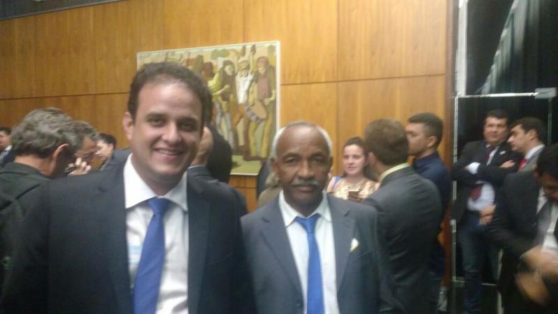 Prefeito e vice de Amarante participam de encontro na CNM em Brasília