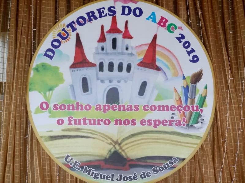 Escola em Sitiosinho realiza mega solenidade dos Doutores do ABC