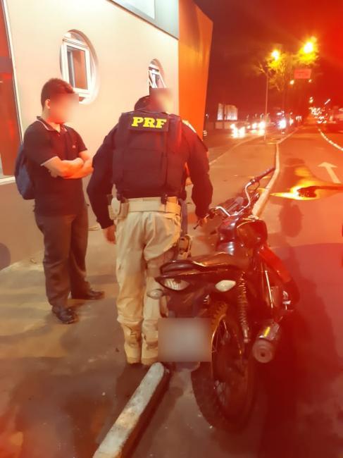 PRF apreende moto campeã de infrações de trânsito
