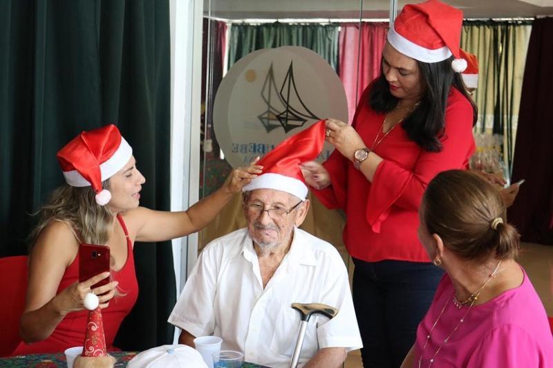 IV Natal Solidário da OAB Piauí leva momento de lazer às pessoas idosas