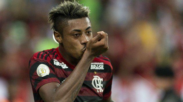 Bruno Henrique teria sido pego no antidoping; Flamengo nega