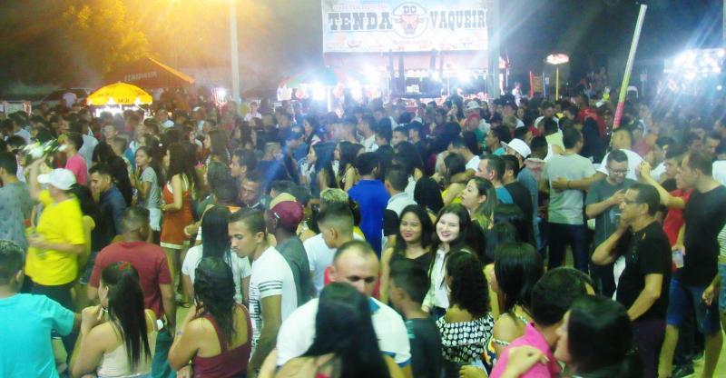 Público lotou Espaço Cultural em show de aniversário de São João do Arraial