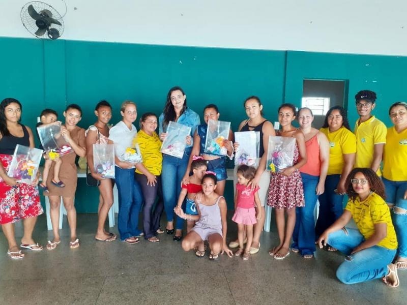 Mães de Água Branca participam de curso de artesanato