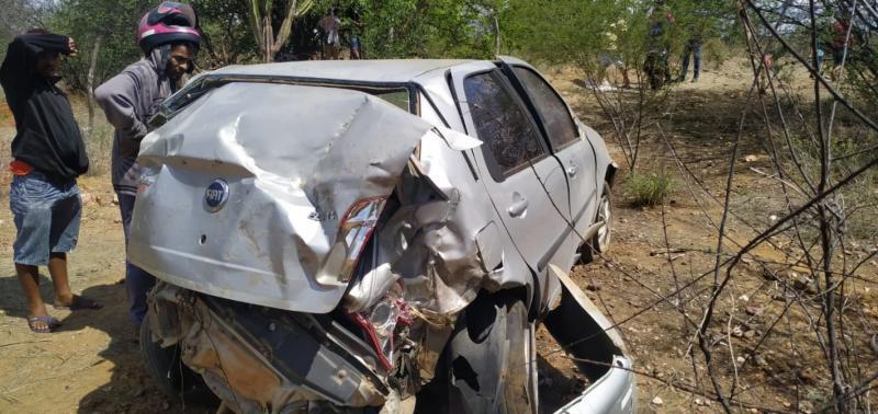 Adolescentes ficam gravemente feridos em acidente na BR 407