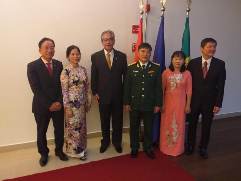 Vietnã comemora 75º aniversário de seu Exército do Povo